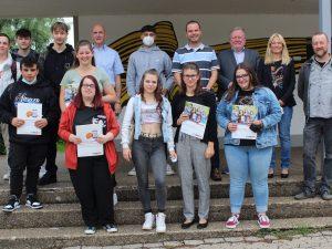 Dr.-Walter-Bruch-Schule St. Wendel verabschiedet letzte Absolventinnen und Absolventen der Handelsschule in einen neuen Lebensabschnitt