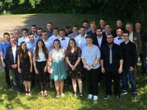 """""""Frei von den Lasten der Schule""""- Abschlussfeier am technisch-gewerblichen Bereich der Dr.-Walter-Bruch-Schule"""