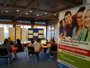 Dualisierte vergütete Erzieherausbildung – freie Plätze an der Dr.-Walter-Bruch-Schule (FSP)