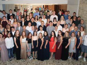 Es ist Zeit, von Bord zu gehen – 26 Absolventen der Handelsschule und 66 Absolventen der Fachoberschule Wirtschaft und Wirtschaftsinformatik der Dr.-Walter-Bruch-Schule erhalten ihre Abschlusszeugnisse