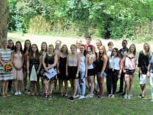 """""""Endlich geschafft"""" – Schülerinnen und Schüler der Sozialpflegeschule erhalten ihre Abschlusszeugnisse"""